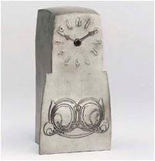 A-Tudric-Pewter-Liberty-Clock