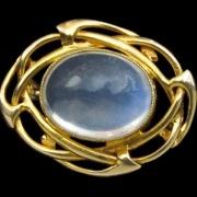 Gold brooch model 1290