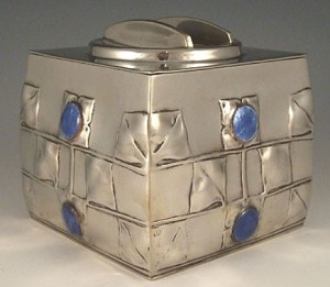 Pewter biscuit box 0194