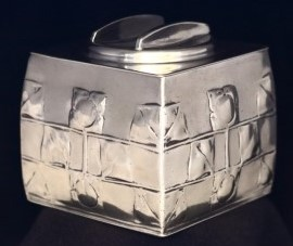 Pewter buscuit box 0194