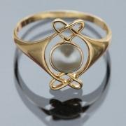 Gold ring 7