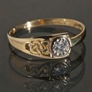 Gold ring model 4048