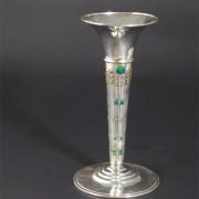 1135 vase